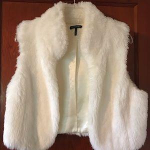 Daisy Fuentes Large Fur Vest